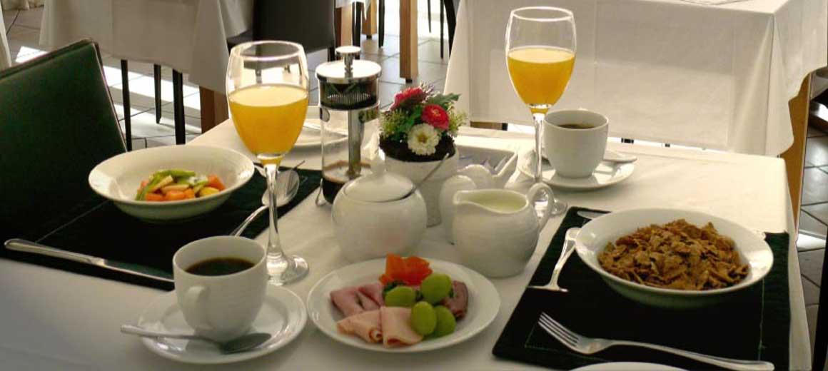 breakfastHolidayGuestHosue
